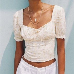 UO cassia Puff Sleeve Cropped Top